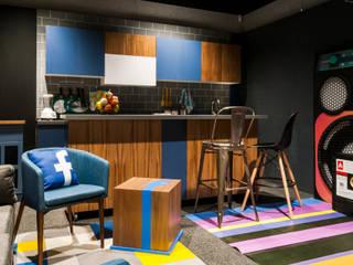 Moderne Arbeitszimmer von Maquiladora de Muebles Modern