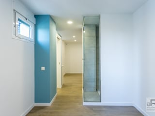 Apartamento para alquilar Dormitorios de estilo moderno de Ares Arquitectura Interiorismo Moderno