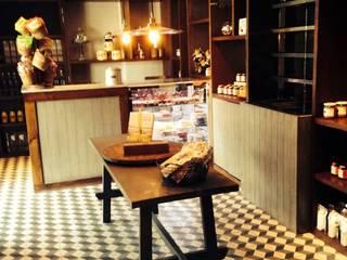 Restaurante Atalaya Bosques CDMX: Oficinas y tiendas de estilo  por HERRERA ARQUITECTOS