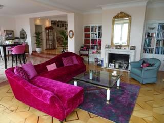 Innenausbau und Inneneinrichtung Villa: klassische Wohnzimmer von adriano@kraenzlin.com