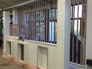 Classic style corridor, hallway and stairs by higloss-design.de - Ihr Küchenhersteller Classic