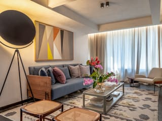 Living room by Gisele Taranto Arquitetura