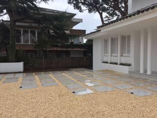 Jardín en el Masnou, Barcelona Jardines de estilo minimalista de De buena planta Minimalista