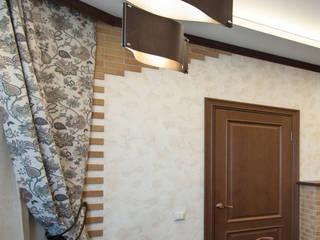 Реализованный проект интерьеров коттеджа 200 кв. метров в поселке Александровская: Гостиная в . Автор – интерьеры от частного дизайнера