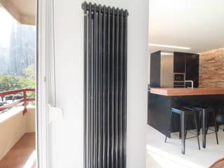 Home Staging: Piso de Ensueño en Barcelona : Cocinas de estilo  de Home & Daniels, S.L.