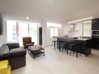 Home Staging: Piso de Ensueño en Barcelona : Salones de estilo  de Home & Daniels, S.L.
