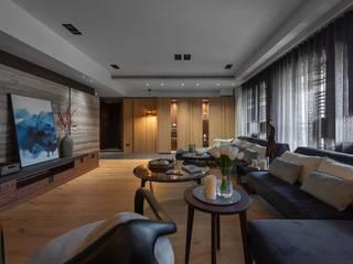 寬敞的客廳 Modern Living Room by 宸域空間設計有限公司 Modern