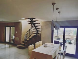 Stairs by TOP CENTRE PROPERTIES GROUP (PTY) LTD, Modern