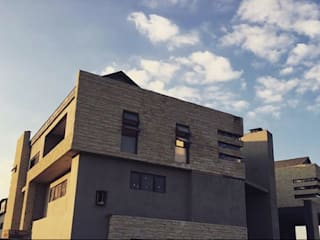 House Ramela TOP CENTRE PROPERTIES GROUP (PTY) LTD Modern houses