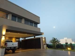 Vivienda en Urbanizacion Privada  - Yerba Buena Tucuman: Casas unifamiliares de estilo  por Alejandro Acevedo - Arquitectura