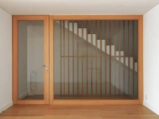 Modern Living Room by PortoHistórica Construções SA Modern