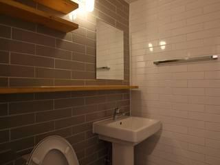 Minimalistyczna łazienka od inark [인아크 건축 설계 디자인] Minimalistyczny