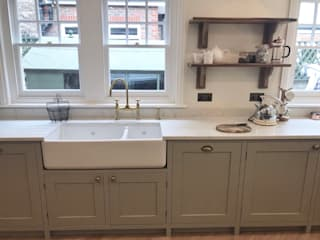 West Sussex Bespoke Kitchen: country  by Elizabeth Bee Interior Design, Country