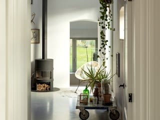 De Nieuwe Context Industrial style corridor, hallway and stairs Concrete White