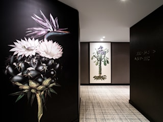 Corridor Hyatt Regency Amsterdam - Artwork and carpet by Rive Roshan:  Hotels by Rive Roshan