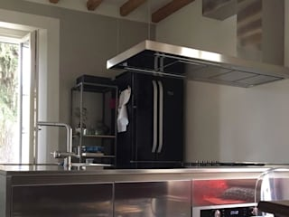 Cappe su misura Cucina moderna di SteellArt Moderno