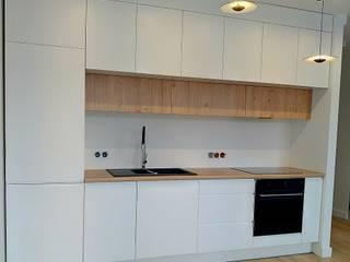 Nowoczesna zabudowa kuchenna: styl , w kategorii  zaprojektowany przez AP meble pracownia mebli,