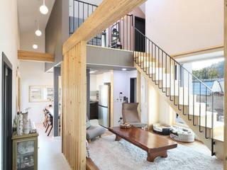 울산미호집 튓마루거실: 주택설계전문 디자인그룹 홈스타일토토의  거실