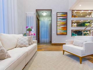 Modern living room by Samantha Sato Designer de Interiores Modern