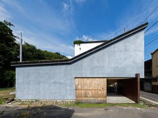 草屋根の家: TENKが手掛けた木造住宅です。,