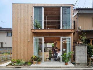 木箱の家: すずき/suzuki architects (一級建築士事務所すずき)が手掛けた一戸建て住宅です。,