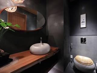 Baños asiáticos de 雅群空間設計 Asiático