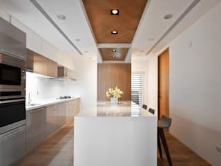 知己樹廈:  廚房 by Fertility Design 豐聚空間設計