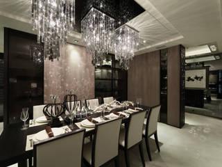 Modern dining room by 雅群空間設計 Modern