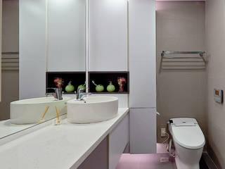 新莊郭公館 Moooi Design 驀翊設計 現代浴室設計點子、靈感&圖片