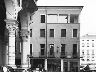 Single family home by studio conte architetti,