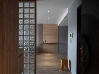الممر والمدخل تنفيذ 極簡室內設計 Simple Design Studio