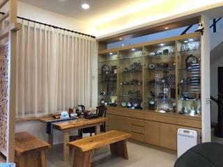 住宅:休:  客廳 by 先勁室內裝修有限公司