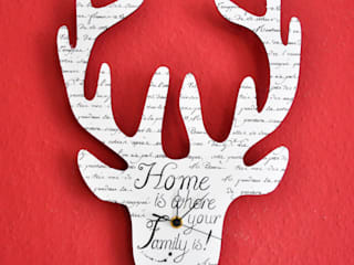 Rentier-Wanduhr Home is where my Family is:   von Shabbyflair