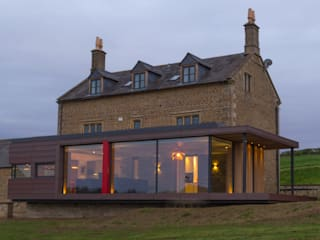 Warwickshire Farmhouse by IQ Glass UK Modern