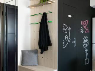 邑田空間設計 Ingresso, Corridoio & Scale in stile eclettico