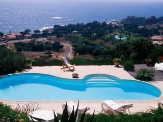Mediterranean style pool by Marpic Mediterranean