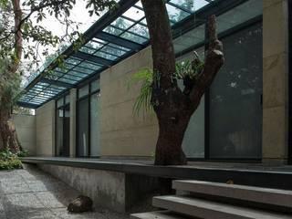 CASA DEL BOSQUE  / Tepoztlán Mor.: Casas ecológicas de estilo  por Talle A / Arquitectos