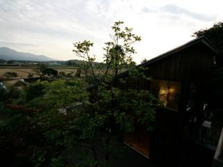 ロケーション: 塚野建築設計事務所が手掛けた別荘です。