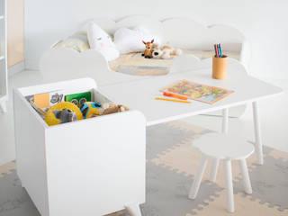 Escritorio infantil con juguetero Montessori: Habitaciones infantiles de estilo  de bainba.com