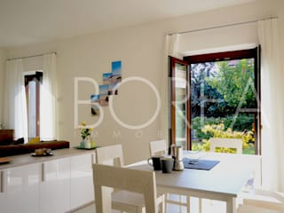 Modern style kitchen by Borea immobiliare Modern