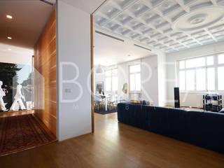 Salas de estilo moderno de Borea immobiliare Moderno