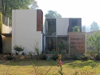 Single family home by Apaloosa Estudio de Arquitectura y Diseño, Modern