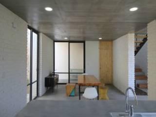 Nowoczesna jadalnia od Apaloosa Estudio de Arquitectura y Diseño Nowoczesny