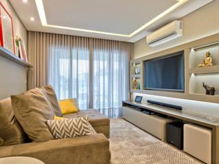 Phòng khách by Luciana Ribeiro Arquitetura