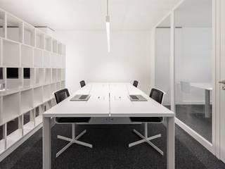 OPENSPACE: Escritórios e Espaços de trabalho  por OW ARQUITECTOS lda   simplicity works
