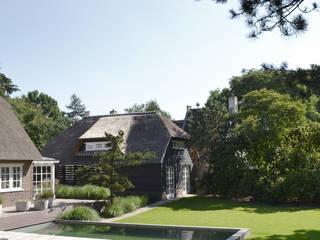 Minimalistischer Garten von Andrew van Egmond (ontwerp van tuin en landschap) Minimalistisch