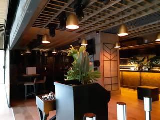 Remodelación de bar : Comedores de estilo  por Arqmad