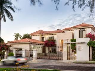 Casa PT: Casas de estilo  por Canova Group Arquitectos