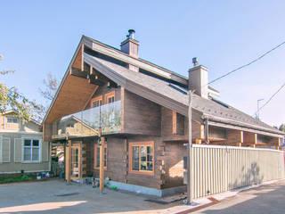 """Hugge cottage in Kozin. """"Jeboshimshaletstyle"""": Деревянные дома в . Автор – Coliba architects"""