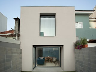 bởi João Araújo Sousa & Joana Correia Silva Arquitectura Hiện đại